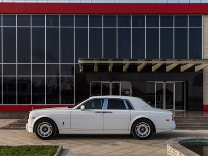 Прокат Rolls-Royce Phantom